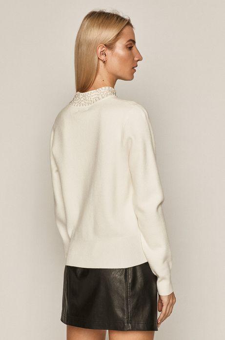 Sweter damski z koralikami kremowy