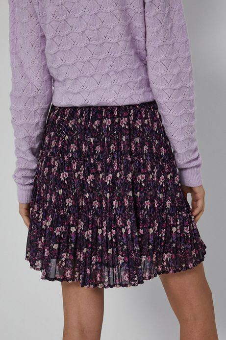 Krótka spódnica damska w kwiatowy wzór