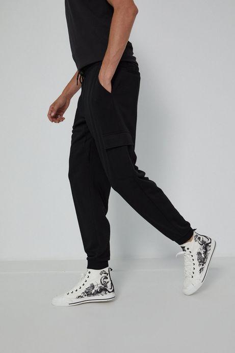 Spodnie męskie dresowe z kieszeniami cargo czarne