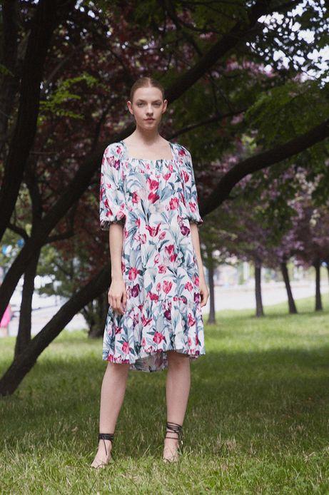Sukienka damska z wiskozy w kwiaty