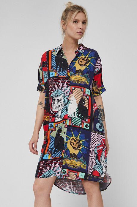 Wzorzysta sukienka damska o koszulowym kroju