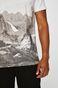 T-shirt męski by Barrakuz Collages, Street Art biały