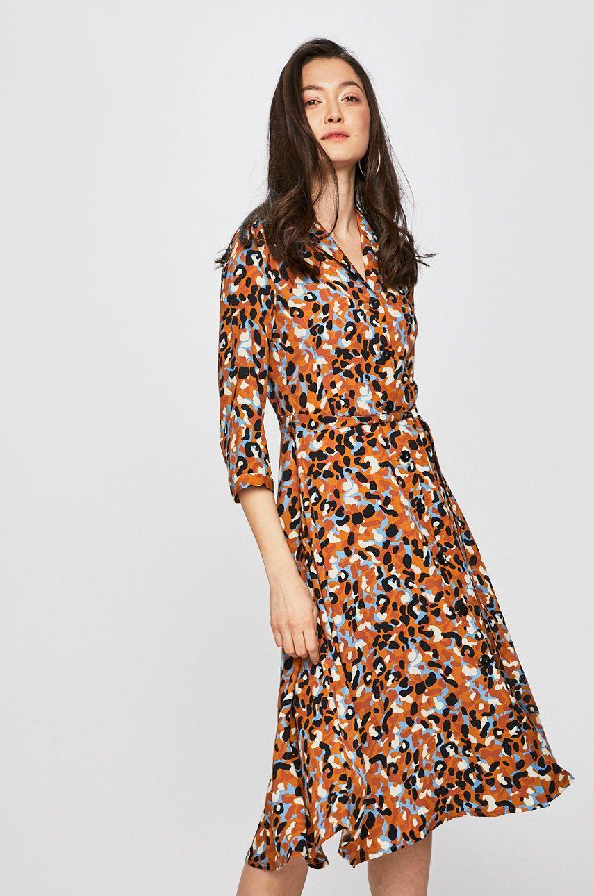 977f7de6f7 Sukienka damska zapinana na guziki wzorzysta